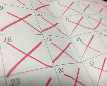 目標達成した日にはカレンダーに×印を書く
